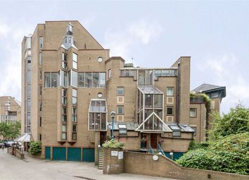 3 bed flat for sale in Asher Way, London E1W