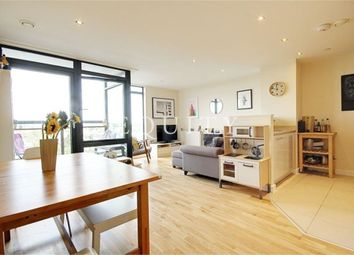 Thumbnail 2 bed flat for sale in Pinnacle House, Enfield