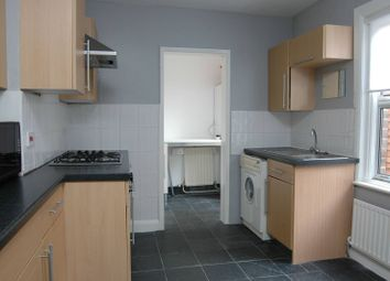 Thumbnail 1 bedroom flat to rent in Marlborough Road, Bounds Green