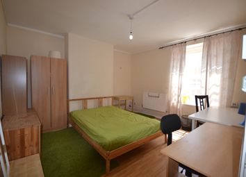 Thumbnail 4 bed flat to rent in Phoenix Road, London