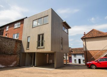 Thumbnail 2 bed detached house to rent in Gold Street, Saffron Walden