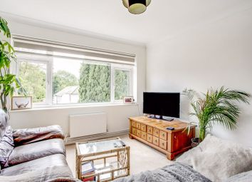 Wentworth Place, Waterside, Chesham HP5. 2 bed flat