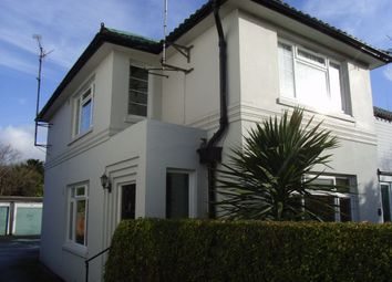 2 bed maisonette to rent in Florida Court, Bath Road, Reading, Berkshire RG1