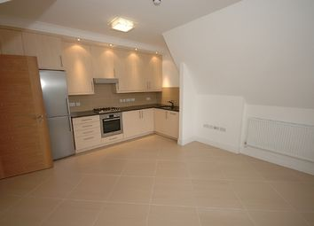 Thumbnail 1 bed flat to rent in Helena Road, Ealing, London