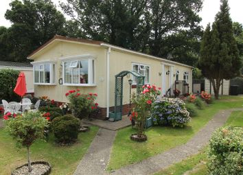 Thumbnail 2 bed mobile/park home for sale in Ash Crescent, Crookham Common, Thatcham