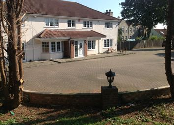Thumbnail 6 bed detached house to rent in Napier Road, Gillingham