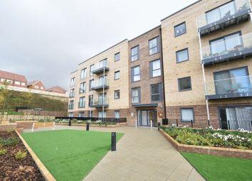 Thumbnail 2 bed flat to rent in Kimpton Road, Luton