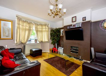 3 bed property for sale in Penderry Rise, Catford, London SE6