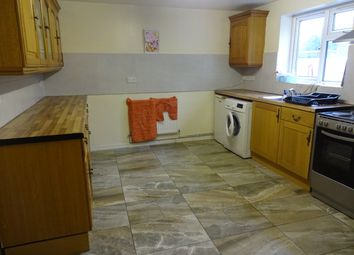 3 bed maisonette to rent in Henley Crescent, Leicester LE3