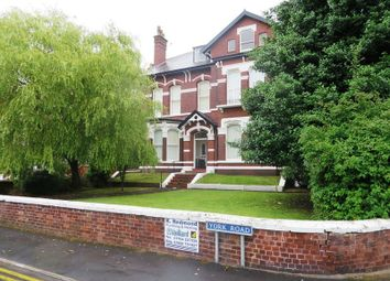 Thumbnail Flat to rent in York Road, Birkdale, Southport