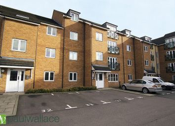 Thumbnail 2 bed flat to rent in Bryanstone Road, Waltham Cross