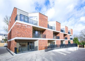Thumbnail 3 bedroom flat for sale in Pinnacle Close, Muswell Hill, London
