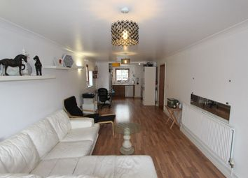 2 bed flat for sale in George Downing Estate, Cazenove Road, London N16