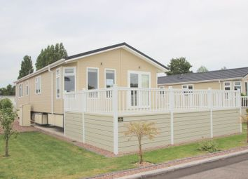 Thumbnail 2 bed mobile/park home for sale in Tiddington Road, Stratford-Upon-Avon