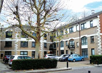 Thumbnail Property for sale in Windsor Court, Corner Hall, Hertfordshire