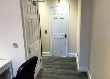 1 bed property to rent in Fernhall Drive, Ilford IG4