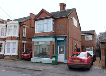 Thumbnail 3 bed flat to rent in Park Road West, Bedford