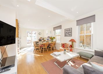 2 bed maisonette for sale in Collingbourne Road, London W12
