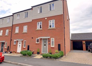 3 bed town house for sale in Horseshoe Crescent, Great Barr, Birmingham B43