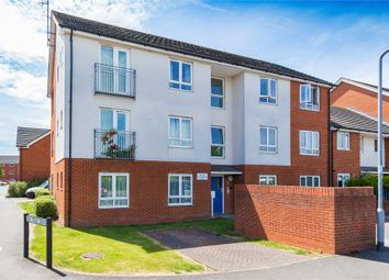 Thumbnail 2 bed flat for sale in Longwood Avenue, Langley, Berkshire