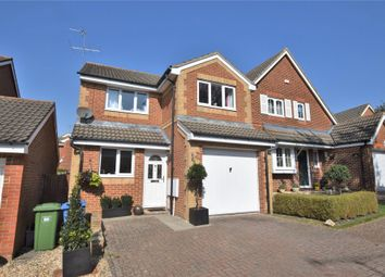 Walsh Avenue, Warfield, Berkshire RG42. 3 bed detached house