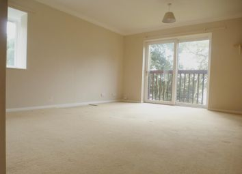 Thumbnail 3 bedroom flat to rent in Victoria Road, Netley Abbey, Southampton
