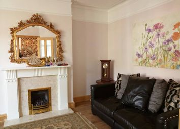 Thumbnail 4 bed terraced house to rent in Springfield Road, London