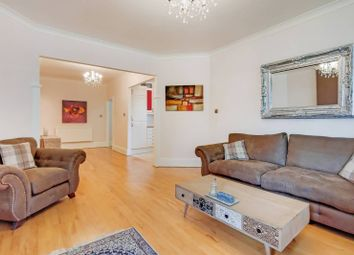 Finchley Road, Child's Hill, London NW2. 2 bed flat