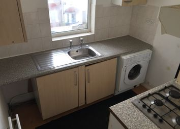 2 bed maisonette to rent in Luna Road, Thornton Heath CR7