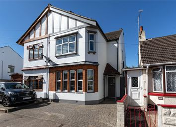 Oakleigh Park Drive, Leigh-On-Sea, Essex SS9. 3 bed semi-detached house
