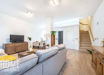 Thumbnail 2 bed detached house for sale in Williamsburg Plaza, Manhattan Plaza, Canary Wharf, London