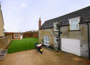 Thumbnail 3 bed cottage to rent in High Street, Kempsford, Fairford