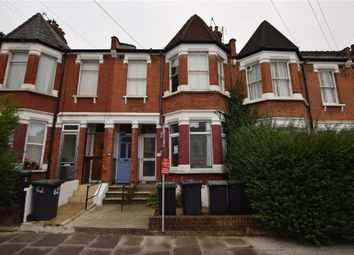 Thumbnail 3 bed flat for sale in Lyndhurst Road, London
