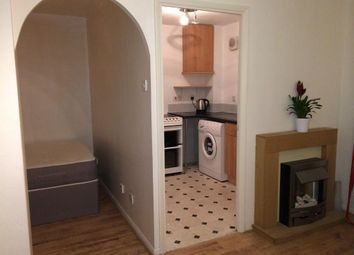 Thumbnail Studio to rent in Inwen Court, Grinstead Road, Deptford, Surrey Quays, London