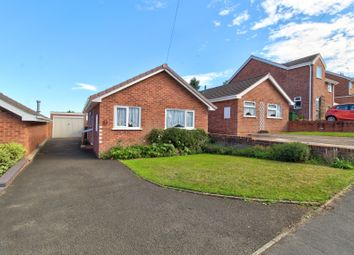 Ragees Road, Kingswinford DY6. 2 bed detached bungalow