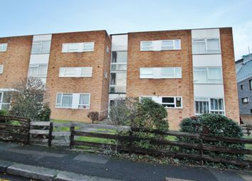 Thumbnail 2 bed flat to rent in Glengall Road, Woodford Green