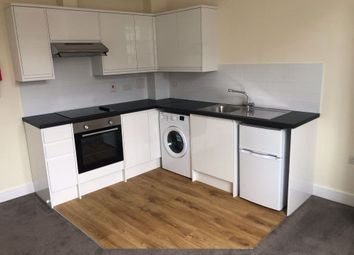 Thumbnail 2 bed property to rent in Oxford Road, Reading