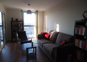 Thumbnail 2 bed flat to rent in Lebus Street, London