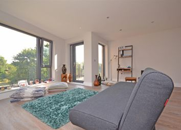 Thumbnail 1 bed flat to rent in Railshead Road, Isleworth