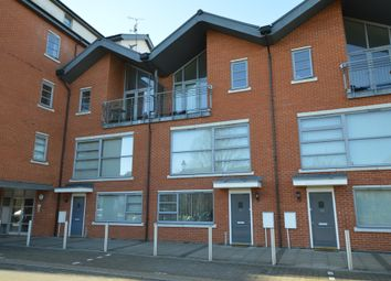 2 bed maisonette to rent in Rotary Way, Colchester, Essex CO3