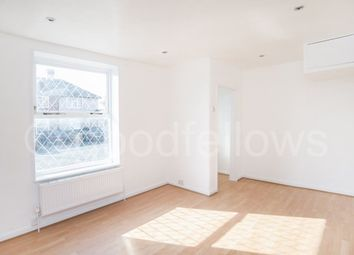 Thumbnail 3 bedroom property to rent in Shap Crescent, Carshalton