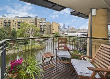 Thumbnail 1 bed flat to rent in Chambers Street, Elephant & Castle
