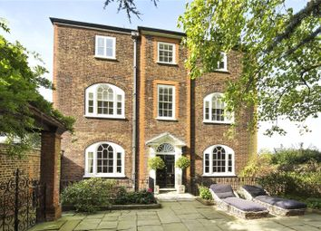 Thumbnail 5 bed detached house to rent in Hampton Court Road, East Molesey, Surrey
