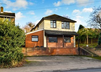 Thumbnail 4 bed detached house to rent in Stansted Road, Bishops Stortford, Hertfordshire