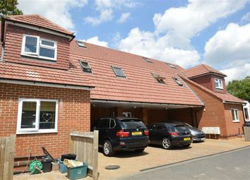 Thumbnail Studio to rent in Chipstead Valley Road, Coulsdon, Surrey