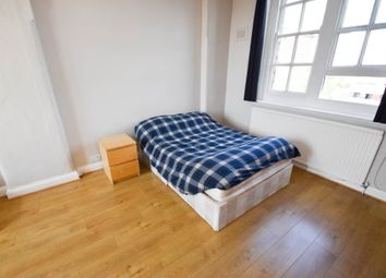Room to rent in Station House Mews, London N9