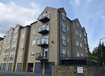 Thumbnail 1 bed flat to rent in Huddersfield Road, Halifax