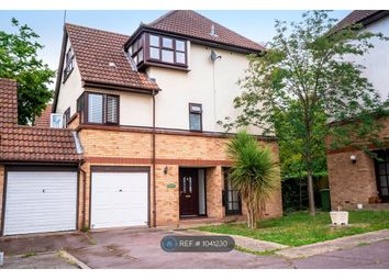3 bed maisonette to rent in Amersham Avenue, Langdon Hills, Basildon SS16