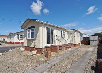 2 bed mobile/park home for sale in Lamaleach Park, Freckleton, Preston PR4