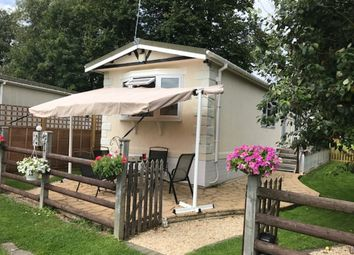 Thumbnail 1 bed mobile/park home for sale in Mill Lane, Hurley, Maidenhead